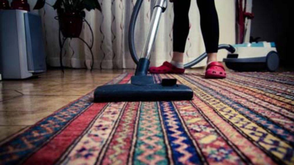 5 pasos esenciales para guardar alfombras de forma segura